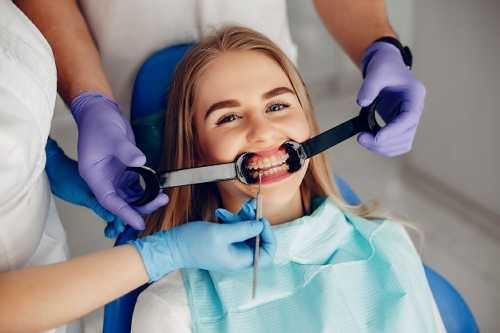 中老年人如何選擇一副好假牙